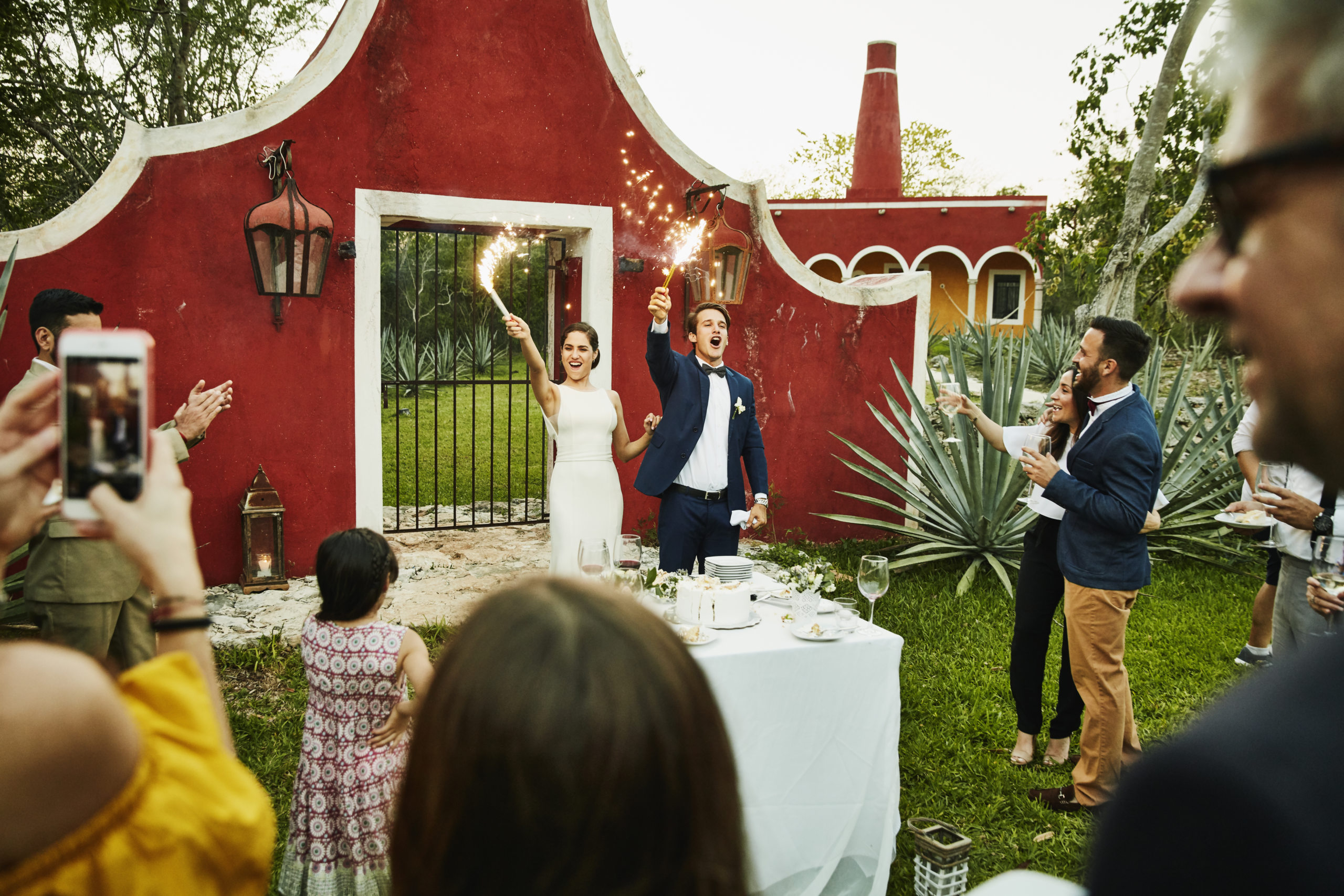8 Costly Wedding Mistakes To Avoid